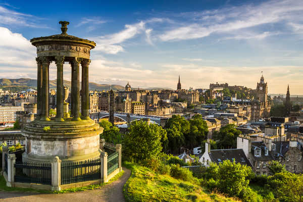 Einzigartige Schottlandreise: Golf, Whisky & the Royal Edinburgh Military Tattoo