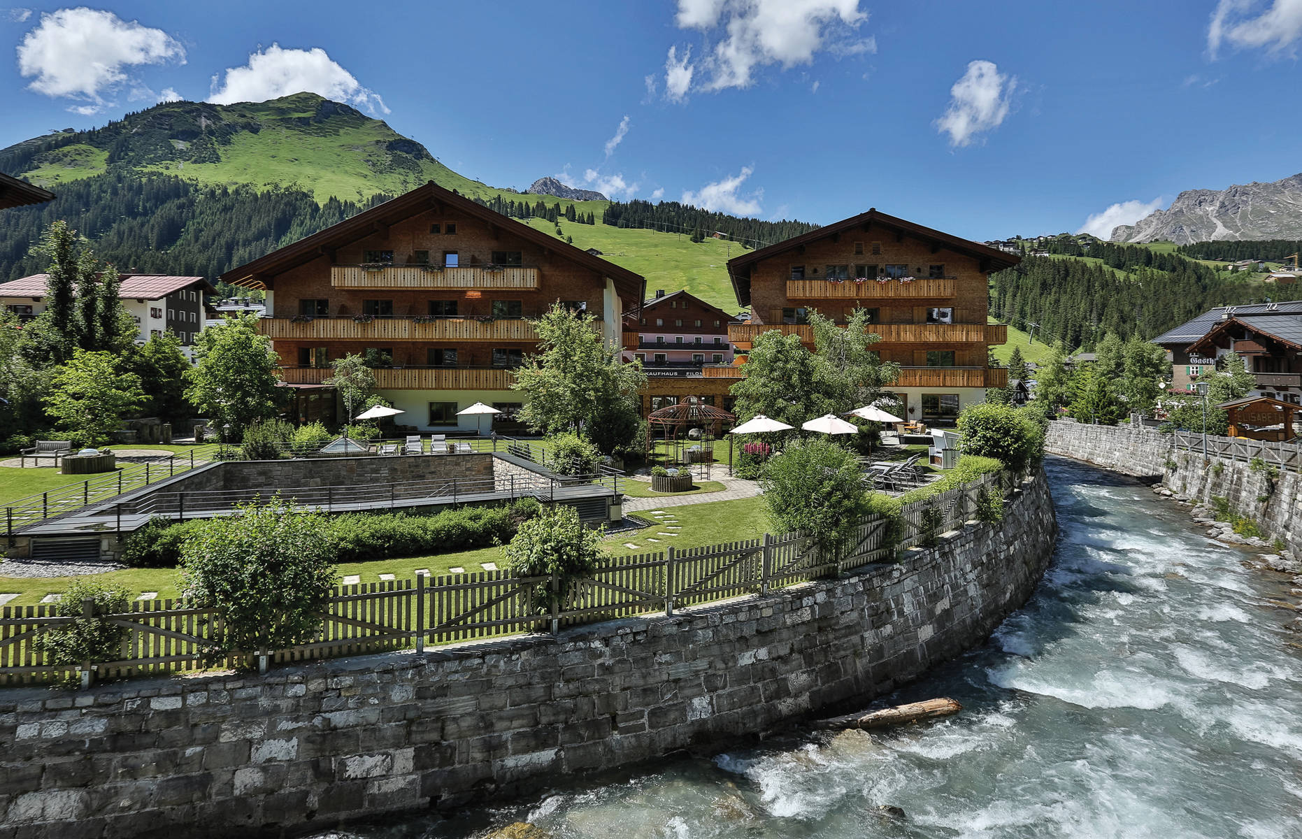 Hotel Gotthard****s in the heart of  Lech am Arlberg