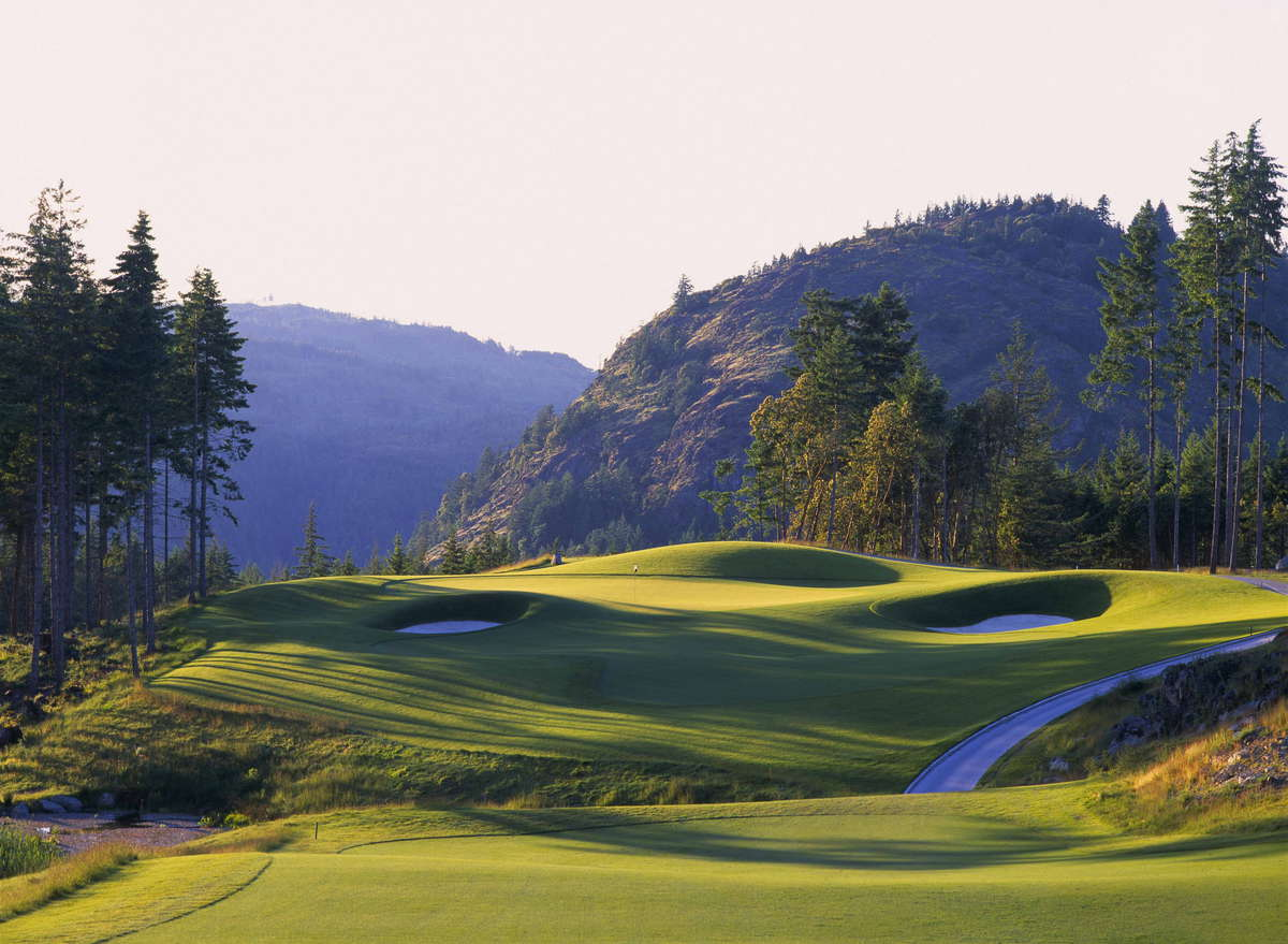Bear Mountain Golf & Country Club