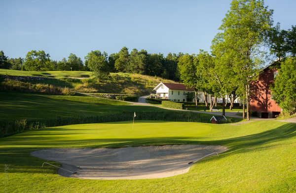 Oustøen Country Club