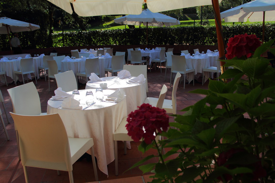 banquet jobs in italy