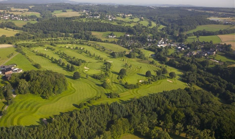 Golf course siebengebirge 040874 full