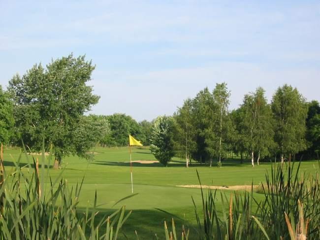 golf de st quentin mesnil mesnil st laurent france albrecht golf guide europe at. Black Bedroom Furniture Sets. Home Design Ideas